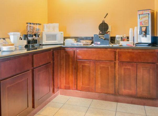 King Oscar Motel Centralia Breakfast Room